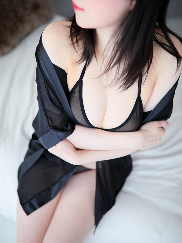 遠藤 まな(33)|梅田 十三 新大阪 西中島 出張&待ち合わせ 人妻性感エステ ママセラ